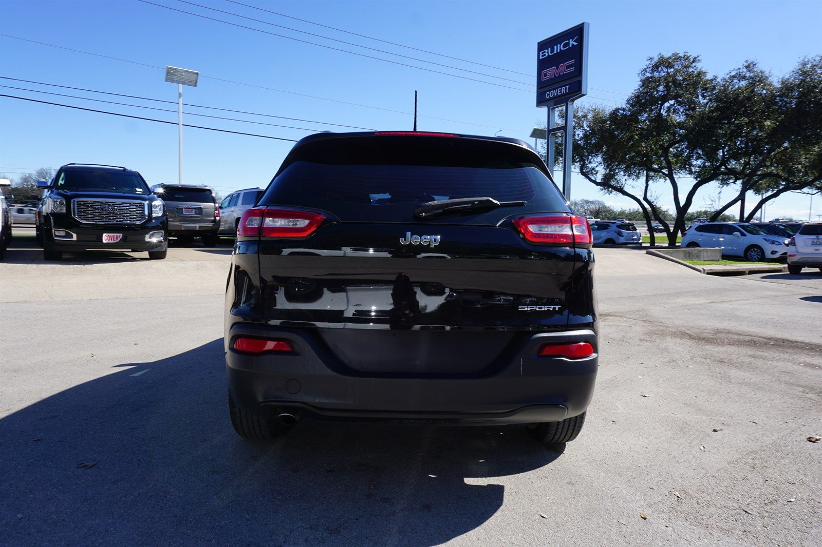 Pre-Owned 2016 Jeep Cherokee Sport