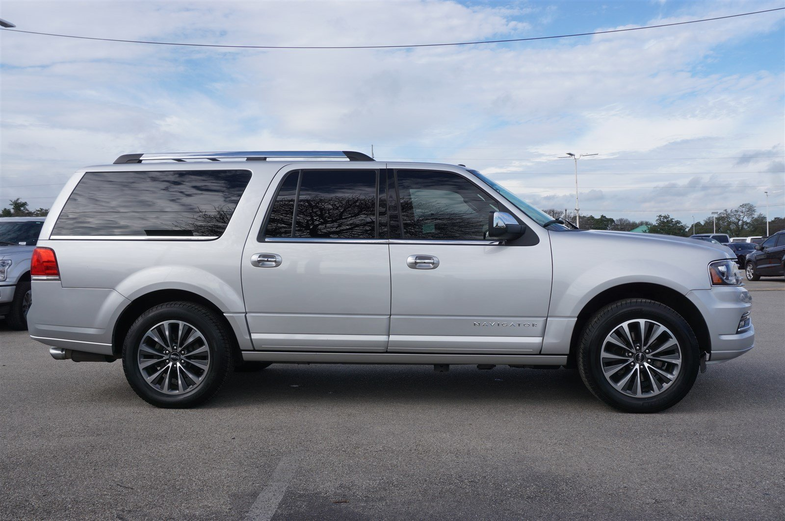 Pre-Owned 2015 Lincoln Navigator L 4DR 4WD SELECT